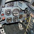 Cockpitansicht der Me 109 im historischen Hangar des JG71 in Wittmund