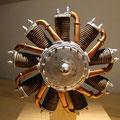 Die spinnen, die Modellbauer-aus Holz und höchst beeindruckend.