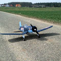 Gutmütige Schaumstoff-Corsair vor dem 2012-er Erstflug.