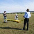 Flugzeugschlepp am Gelände der FMSG-Herrieden-Stadel