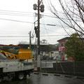 自宅前の電信柱と光ケーブル工事風景