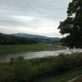 懐かしい飛形山と矢部川の流れ
