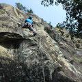 奥壁は難しいけれど、なんとか4ルート登攀。自分も5.9、12mをリードできて大感激!。