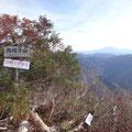 烏帽子山山頂。秋は静かです。