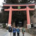 河口湖浅間神社の立派な大鳥居。