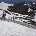 稜線の一部雪なし。