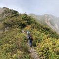 野谷荘司三方岩22 かすかに晴れた。野谷荘司へ向かう。