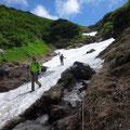 大沢の雪渓。