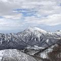 高妻山の美しさに見惚れた。
