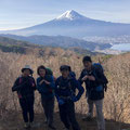 富士山と河口湖。