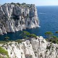 Du sommet, vue à gauche sur la Calanque de l'Oule et la presqu'île de Castelvieil.