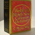 Dictionary/段ボール、キャンバス 『Webster's Ninth New Collegiate Dictionary+Merriam-Webster Incorporated』  (竹内徳子/アーティスト) 人類にとっての言語が持つ力を言語化不能なコトでbuccaする。