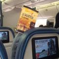 Le Sauveteur' dans l'avion pour New York. Merci à Stéphanie.