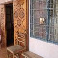 Le Sauveteur' au Cameroun, à Yaoundé, dans le quartier Biyem-Assi. Merci à Sophie M-ns.