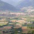 Blick vom M. Ventosola auf Norcia und das Corno-Tal
