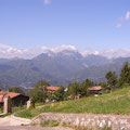 Blick nach Süden auf die grünen Ausläufer des Apennin