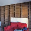 Librería de pared a pared.