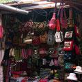 Tienda  de artesanías en Aguas Calientes Cusco