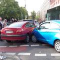 choque de autos jaja y fueron 4  (Berlin)