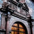 Puerta colonial en Arequipa