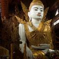 Buda en templo de YanGon-China