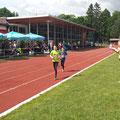 Startläuferin Viktoria...3x800m Staffel...