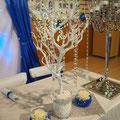 Manzanita-Baum dekoriert