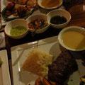 Unser Essen: Filet Mignon und Hähnchen in Ananassauce