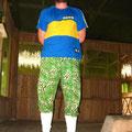 Joeys zauberhaftes Outfit fuer den Jungle.... Das musste dokumentiert werden!!!