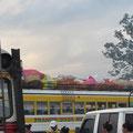 So vollbeladen sehen alle Busse aus