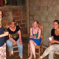 Leonie, Inge (Sabrinas Mama), Kathrin (Sabrinas Schwester) und Isabell