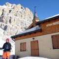 historischer Boden: Tina vor Tita Piaz' Preusshütte