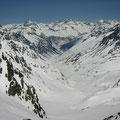 Tiefblick in die Schweiz Richtung Chamanna Toui