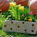 Blumenkasten mit Kullerdekor von Almut Witt.