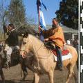 Sur le bayo, cheval de paso peruano, pour l'inauguration du défilé