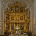 Capilla Mayor, que muestra su flamante retablo neobarroco, finalizado en 1999 en sustitución del original del siglo XVII destruido en 1936. (Imagen: fotomadrid.com)
