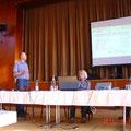 Präsentation Dorferneuerung --- Jörg Maibuhr mit Vertretern vom ALF u. der Gemeinde