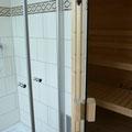 Duschbad mit Sauna im EG