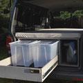 Organisiert Reisen mit den praktischen und günstigen Verstauboxen- Die TRAVEL-SLEEP-BOX für den VW T5/T6 Transporter und belastbarem Heckauszug / Vollauszug