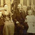 29_599_Familie Törnig am Sauerländer 1905