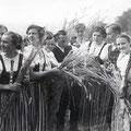 46_1068_Erntedankfest in Reh 1940