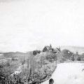 53_2743_Ski -Wiese mit Blick auf das Schloss 1950