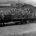 29_592_Nahmer Feuerwehr 1929 mit Opel Mannschaftswagen und Motorspritze