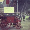20_384_Auf dem Rathausvorplatz 1975