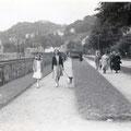 20_2717_Stadtpark entlang der Hagener Staße. Im Hintergrund das Cafe Möller 1950