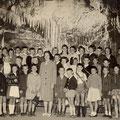 62_1422_Klassenfoto in der Dechenhöhle  Heideschule 1963