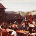 29_610_Spielmannszug ATS Nahmer vor der Adlerturnhalle 1970