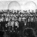 63_1441_Arkordeonorchester Weihnachtsfeier 1958 im Hlbg Hof in der Mitte Paul Hallenscheid