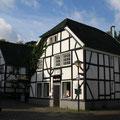 142_2675_Fachwerkhäuser in Hlbg