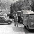27_2901_Vor der Stennertbücke, links geht es in den Weinhof  1960